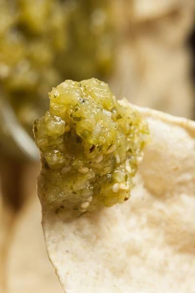 Salsa verde à la tomate verte et au piment jalapeño