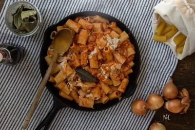 Pâtes à la sauce crémeuse cajou tomate