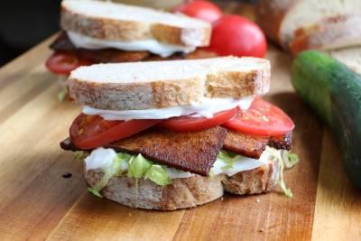 Sandwich BLT végétalien