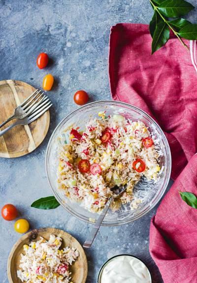 Salade de riz aux algues comme du thon