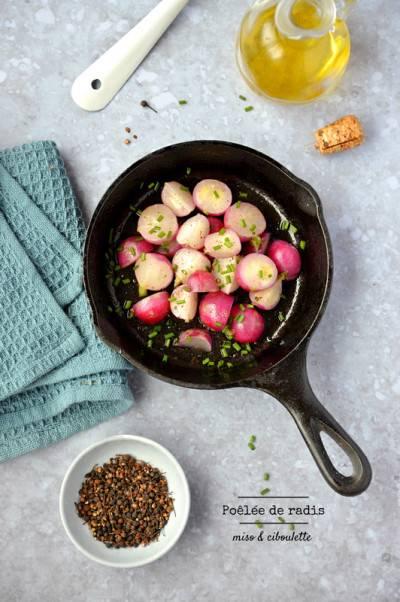 Poêlée de radis au miso et ciboulette