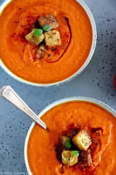 Soupe à la tomate et poivron rôti